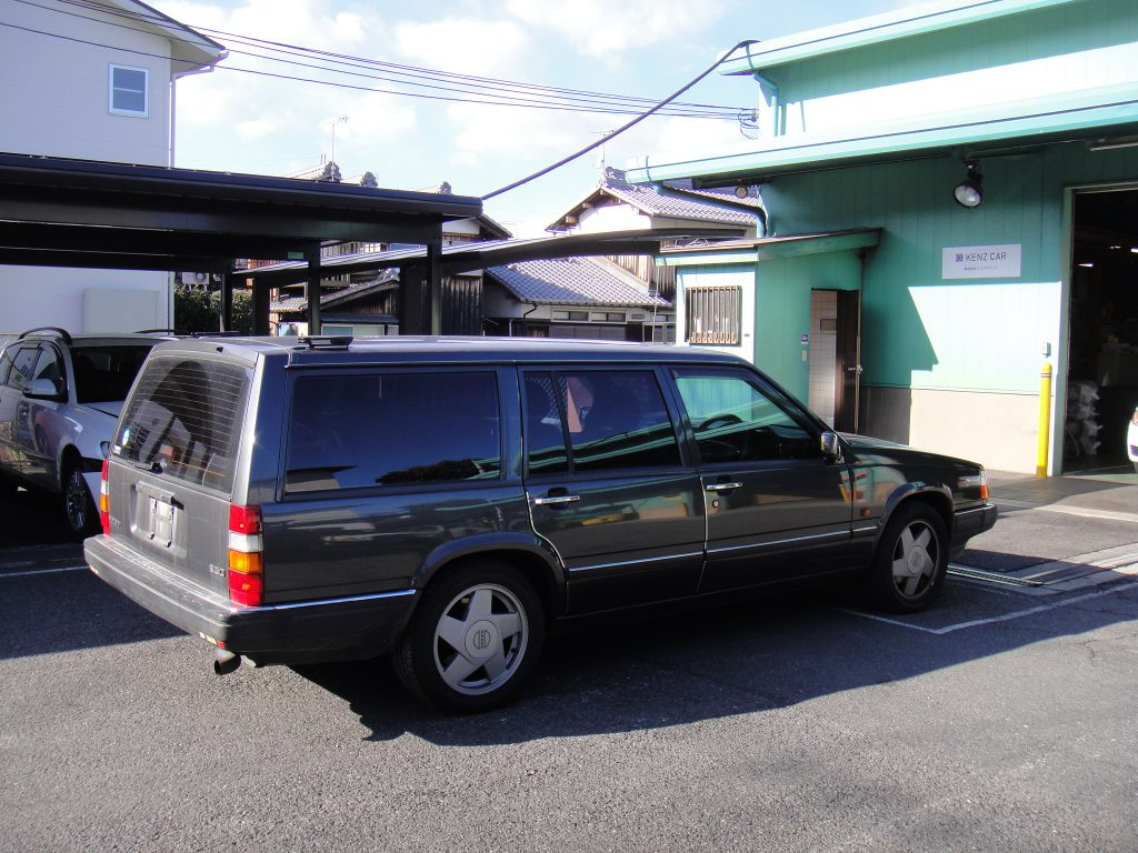 ボルボ960部品取り車入庫