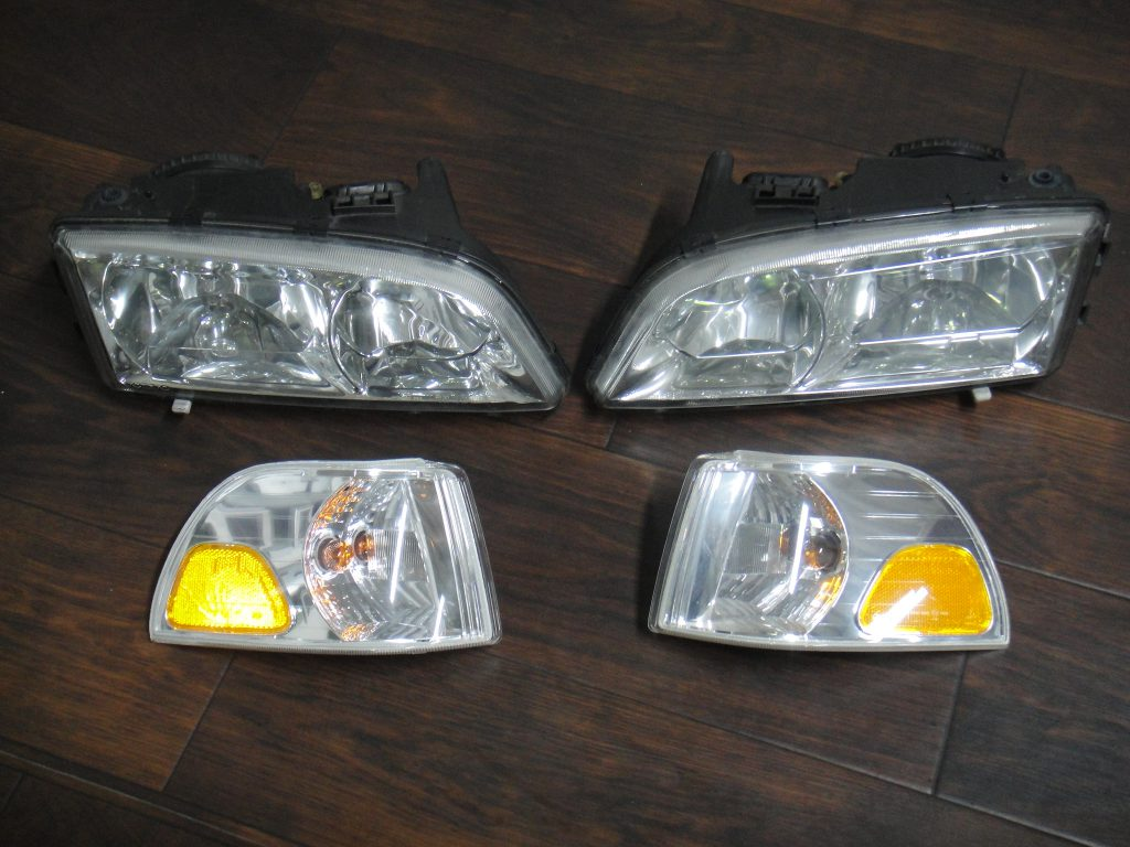 C70(V70/S70に使用可)ヘッドライト販売いたします。