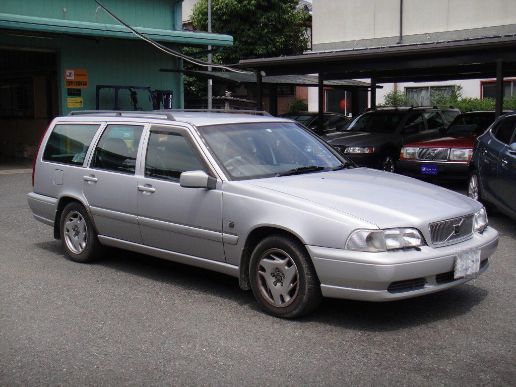 ボルボV70(98年)部品取り車入庫