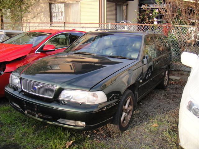部品取り車入庫 99年V70AWD