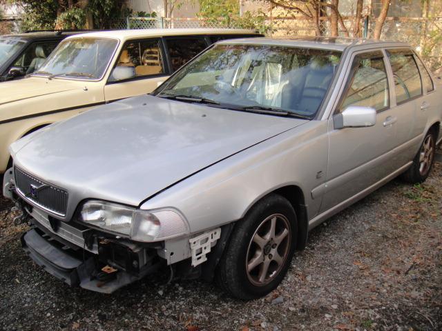 部品取り車入庫 00年式S70クラシック/シルバー
