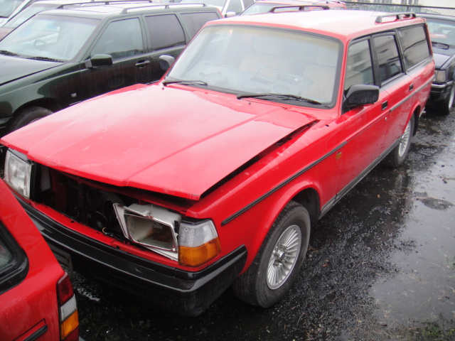 部品取り車 93年ボルボ240GLE ワゴン