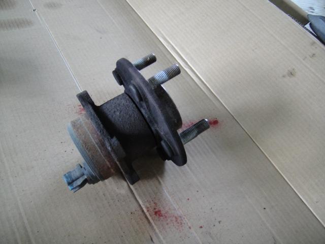 ボルボS40/V50リアハブベアリング交換(中古品を使用)