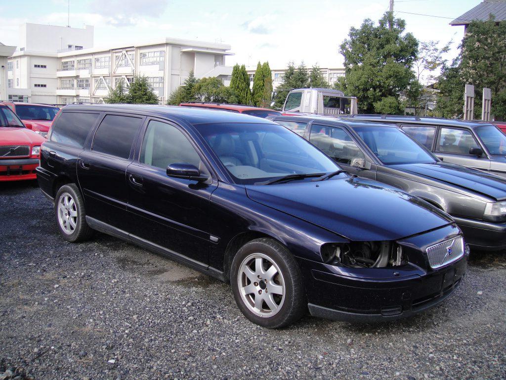 2005年V70 2.4 部品取り車入庫