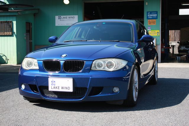 BMW 118i シドニーブルーメタリック