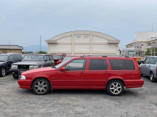 部品取り車入庫 2000年ボルボV70 CLASSIC入荷 内装キレイです