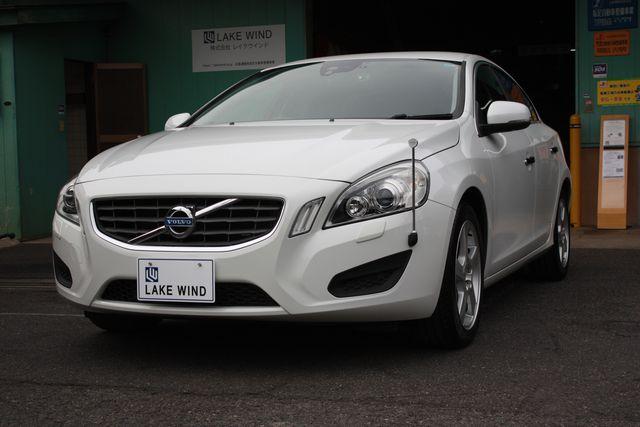 VOLVO S60 ドライブe  アイスホワイト