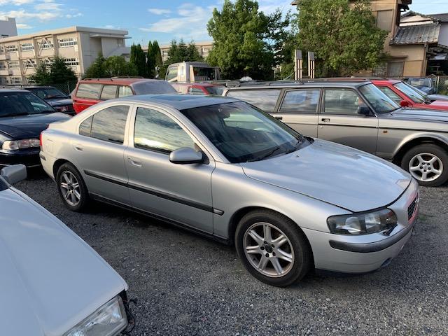 部品取り車入荷 2002年S60 2.4
