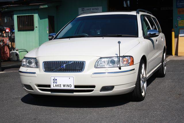 VOLVO V70 ホワイトパールエディション